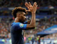 El jugador del Bayern Múnich, Kingsley Coman, se robó los focos de atención en el partido de Francia contra Albania. (Foto Prensa Libre: AFP).