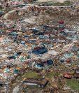 Al menos 20 personas han fallecido como consecuencia del Huracán Dorian, que ha devastado parte del archipiélago caribeño,  según datos oficiales. Fotografía Prensa Libre: AFP.