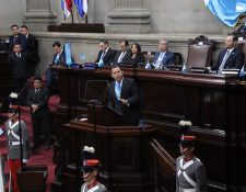 El presidente Jimmy Morales ofrece su discurso por el 198 aniversario de la Independencia. (Foto Prensa Libre: Juan Carlos Pérez)