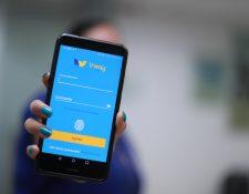 V.way es una plataforma digital que permite vincular tarjetas Visa por medio de una sola aplicación, facilitando transferencias entre tarjetas de crédito y débito Visa. (Foto Prensa Libre: Juan Diego González)