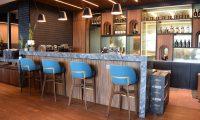 En la Sala VIP Lounge de Ron Zacapa encontrará un bar y diferentes ambientes que se adaptan a las necesidades del visitante. (Foto Prensa Libre: Claudia Martínez)