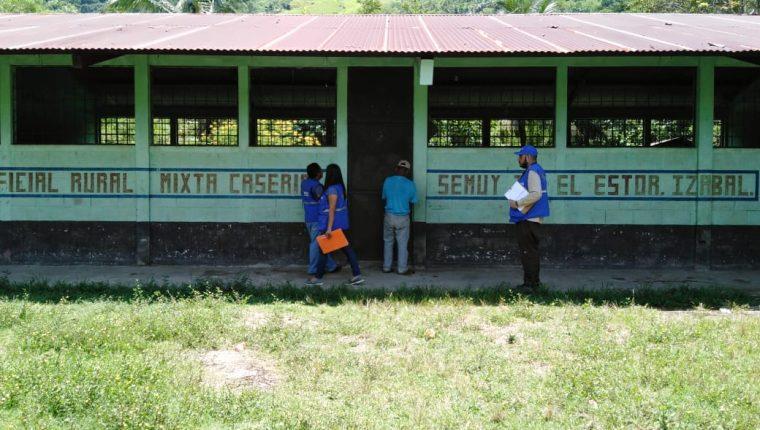 Delegados de la PDH verificaron que no hay clases en Semuy 2. (Foto Prensa Libre: PDH)