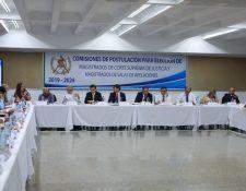 Sesión de la postuladora para salas de Apelaciones en la Universidad Mesoamérica. (Foto Prensa Libre: Manuel Hernández)