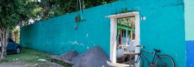 Se espera que las cámaras sean instaladas frente a la Escuela de Párvulos Soledad Ayau, zona 3 de Retalhuleu. (Foto Prensa Libre: Rolando Miranda)