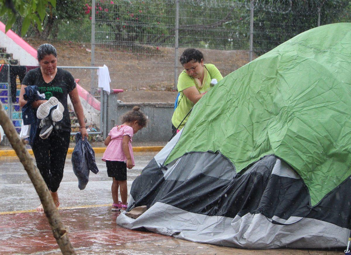 Fuertes lluvias ponen en peligro a migrantes en el noreste de México