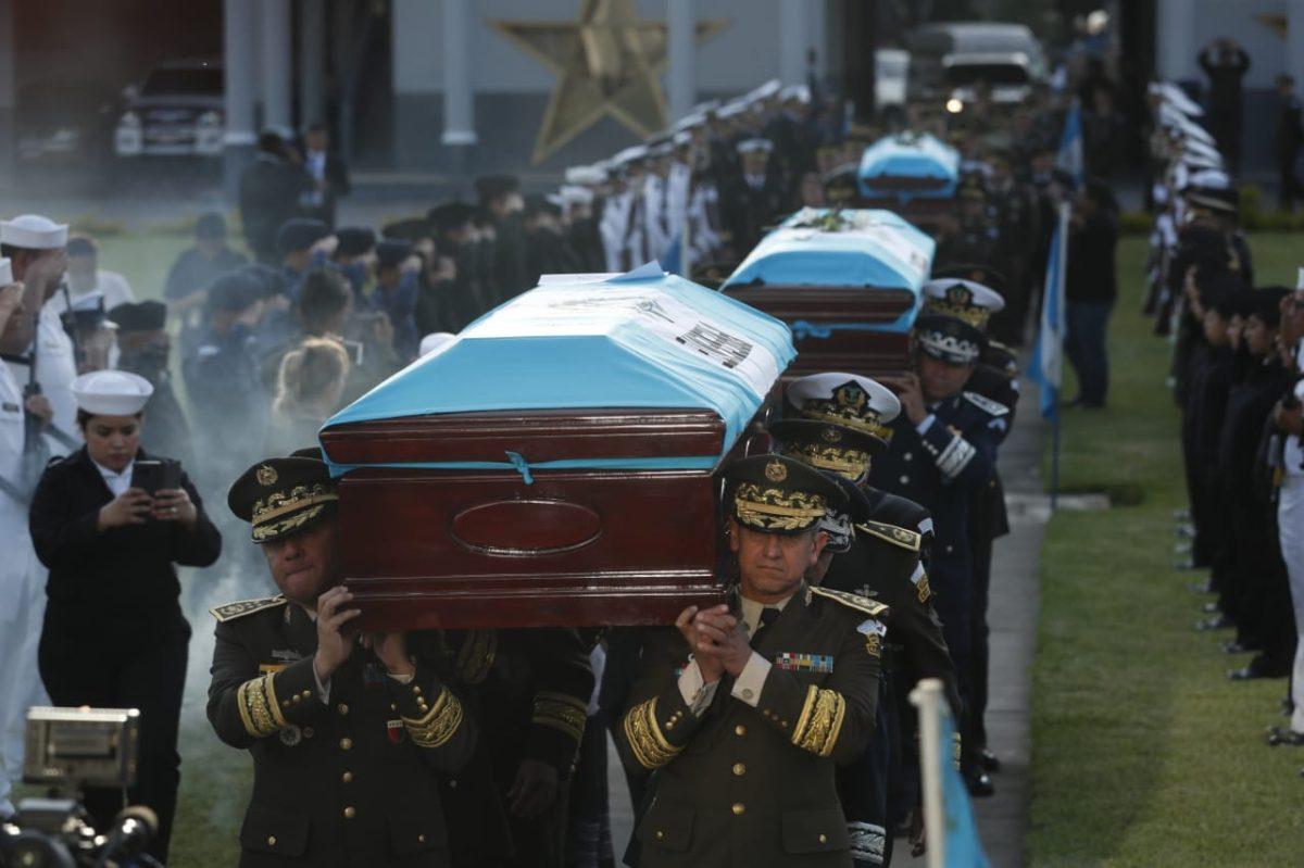 Fotogalería: emotiva despedida para soldados ultimados en El Estor, Izabal