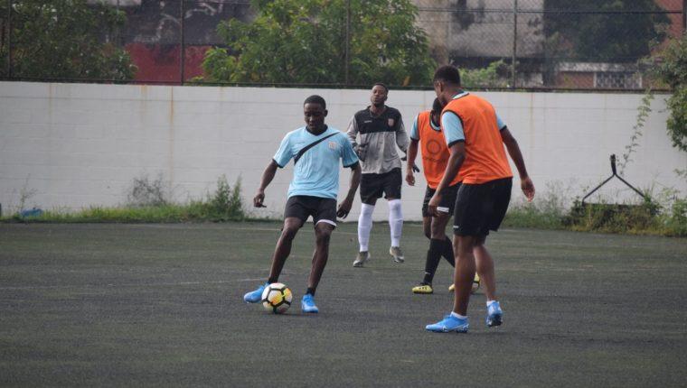La Seleción de Anguila la entrenó este lunes en las instalaciones del Proyecto Goal. (Foto Cristian Menéndez).