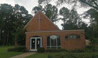Iglesia San Miguel de Forest, Misisipi, donde también se ha habilitado un centro de ayuda. (Foto Prensa Libre: Sergio Morales)
