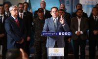 Jimmy Morales y el Gabinete comparecen ante los medios para oficializar el estado de Sitio. (Foto Prensa Libre: Carlos Hernández)
