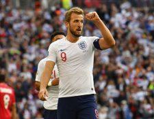 Harry Kane se convirtió en la estrella de Inglaterra al haber anotado tres goles contra Bulgaria. (Foto Prensa Libre: EFE).