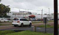 Vista de una procesadora de pollo en Canton, Misisipi, donde el pasado 7 de agosto ocurrió una de las siete redadas. (Foto Prensa Libre: Sergio Morales)