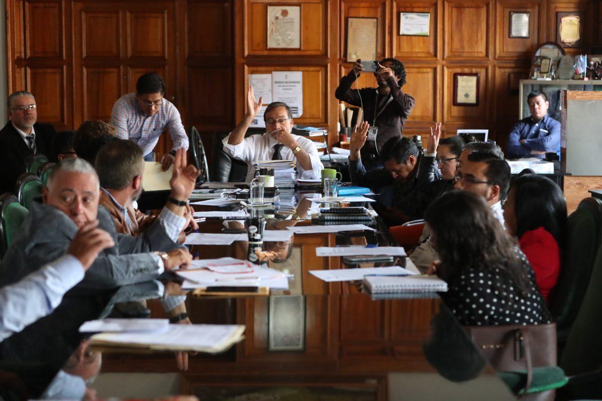 Concejales y síndicos afines a Luis Grijalva aprueban comprar 10 camiones por Q9.4 millones y desechan oferta de Q8.4 millones