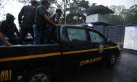 Sandra Torres es trasladada  en una Patrulla de la Polic'a Nacional Civil (PNC) al  Centro de detenci—n  preventiva para hombres y mujeres Mariscal Zavala zona 17.         Fotograf'a Esbin Garc'a  02-09-2019