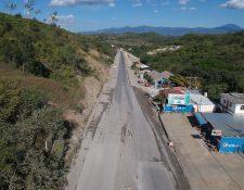 Trabajos inconclusos en el kilómetro 58.3 de la ruta al Atlántico, ampliación de dos carriles se encuentra pendiente por problemas de derechos de vía. (Foto Prensa Libre: Carlos Hernández) 07/09/2019