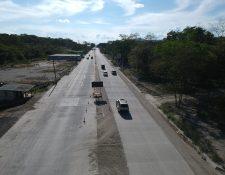 La Dirección General de Caminos y Covial han solicitado readecuaciones presupuestarias al Ministerio de Finanzas para construcción y mantenimiento de la red vial. (Foto Prensa Libre: Hemeroteca)