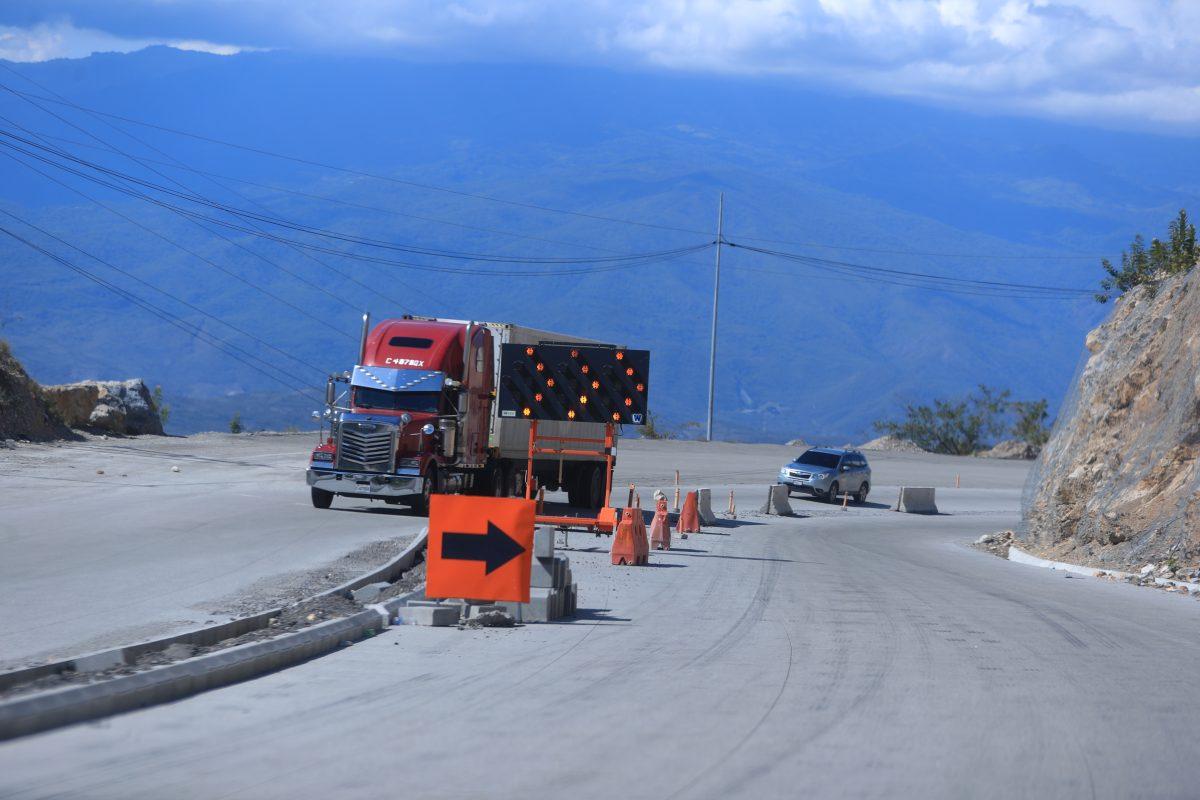 Poca inversión en infraestructura nueva: la deuda del primer año de gobierno de Giammattei