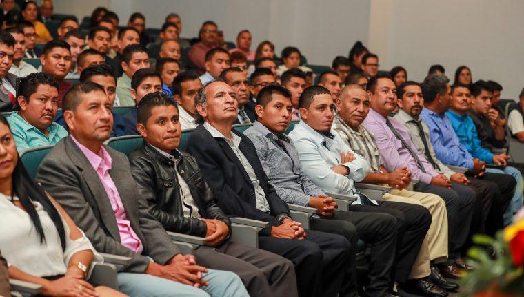 """""""¿Quién dice que el Sueño Guatemalteco no existe?"""", palabras de uno de los migrantes graduados hoy en el INTECAP"""