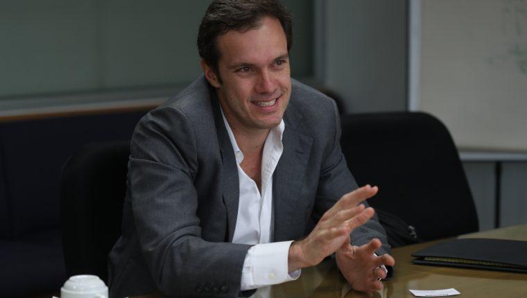 Peter Klose, explica cómo se diseñó el programa del Enade 2019.  (Foto Prensa Libre: Óscar Rivas)  ÓSCAR RIVAS  10 09 2019