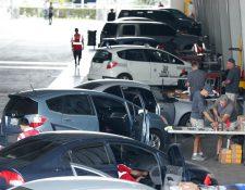 Cientos de automóviles son llevados al Parque de la Industria donde se efectúa el cambio de infladores de bolsa de aire de unidades Honda y Acura. (Foto, Prensa Libre: Esbin García).