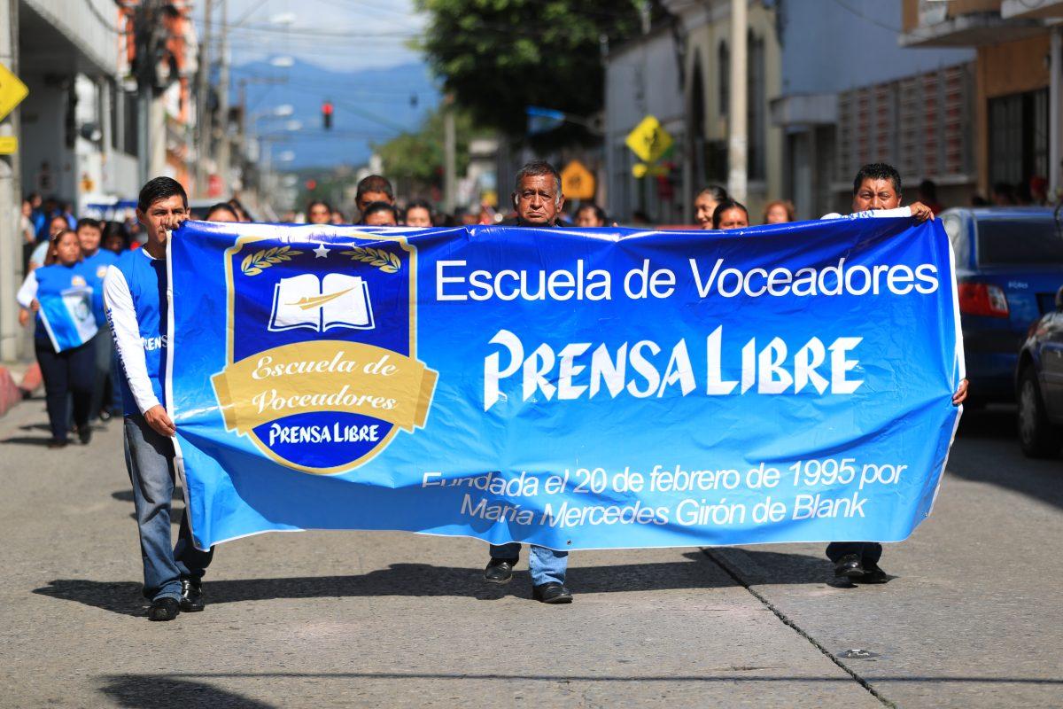 Fotogalería: Escuela de Voceadores de Prensa Libre desfila en zona 1