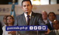 Presidente Jimmy Morales, junto al vicepresidente Jafeth Cabrera y ministros de estado en conferencia de prensa al salir del gabinete presidencial.       Fotograf'a Esbin Garc'a  12-08-2019