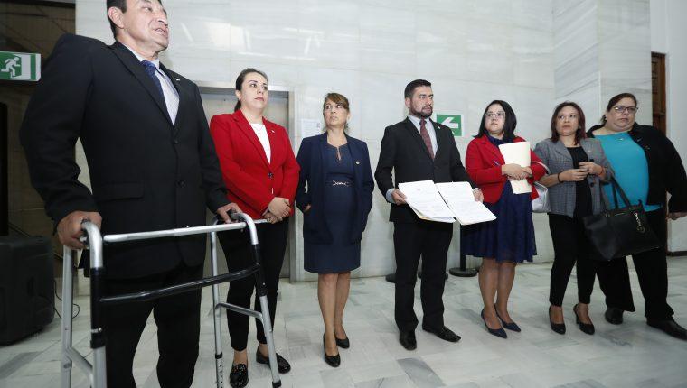 El Consejo de la Carrera Judicial entregó a la Corte Suprema de Justicia el reglamento para evaluar a jueces y magistrados, el 19 de septiembre de 2019. (Foto Prensa Libre: Esbin García)