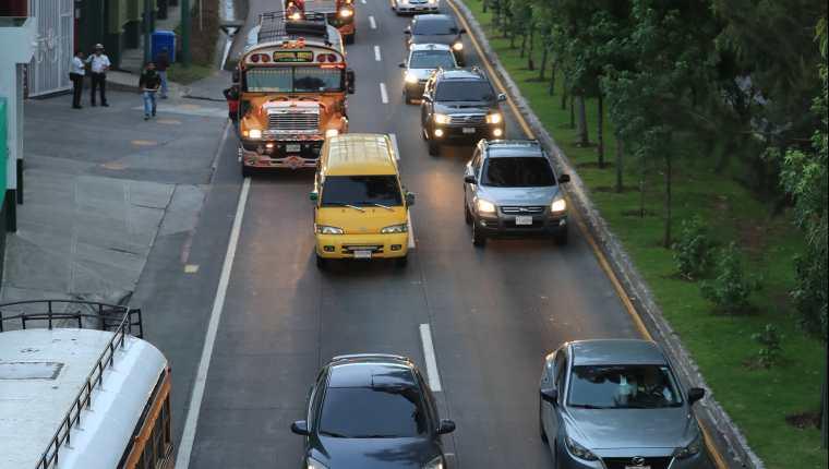 El crecimiento económico de San Lucas Sacatepéquez  ha ocasionado múltiples problemas de tráfico. (Foto Prensa Libre: Hemeroteca PL)
