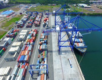 Se le conoce como incoterms a los mecanismos para facilitar el comercio mundial y las relaciones entre los agentes económicos de compra y venta de mercancías y partir del 1 de enero de 2020, entrará en vigor la nueva versión, informó la CIG. (Foto Prensa Libre: Hemeroteca)
