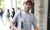 Programa de Migraci—n laboral para guatemaltecos que quieran laborar en agricultura en  Estados Unidos y Canada. Varias personas llenan formulario en el ministerio de trabajo.        Fotograf'a Esbin Garc'a  24-09-2019