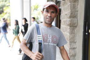 Este guatemalteco regresó de EE. UU. luego de que ganaba US$800 en una semana pintando barcos