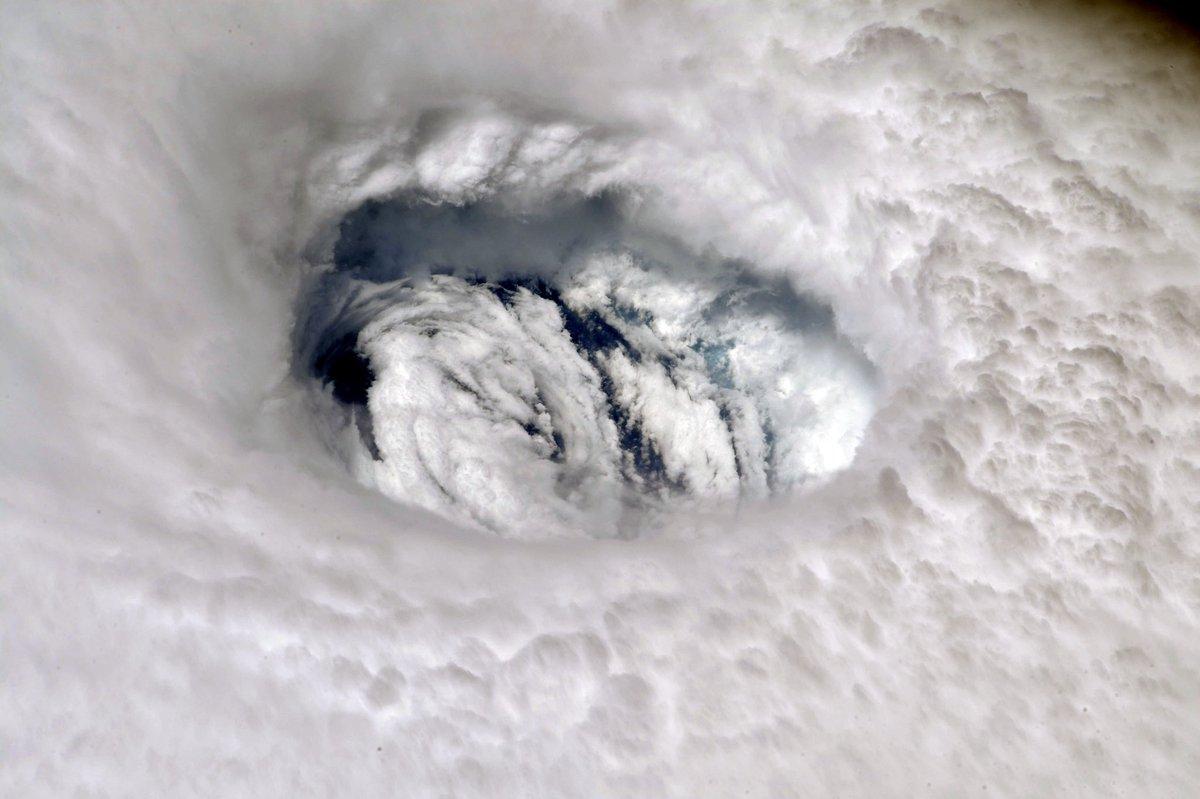 Dorian: Las impresionantes imágenes del imponente huracán visto desde el espacio