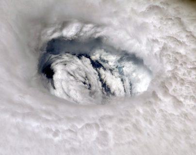 Así se ve desde el espacio el ojo del Huracán Dorian. (Foto Prensa Libre: Astronauta Nick Hague)