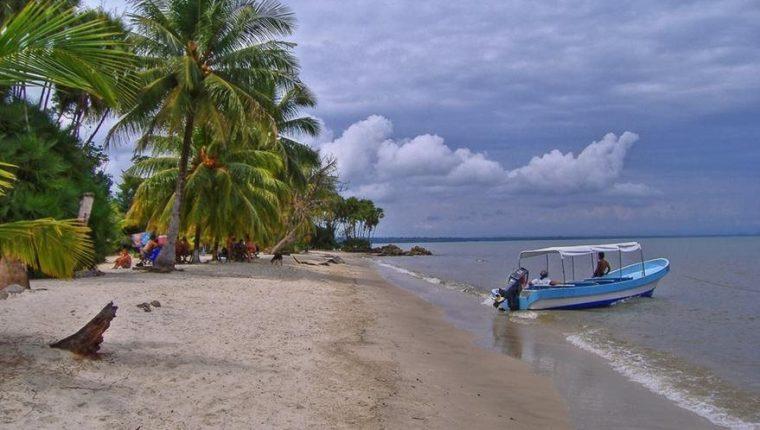 Izabal cuenta con varias playas que son atractivos turísticos, varias de ellas en Lívingston.  (Foto, Prensa Libre: Hemeroteca PL).