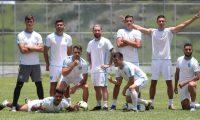 Jugadores de la Selección Nacional lucen felices en el Proyecto Goal, el miércoles 4-9-2019, luego de finalizar la última práctica previa al duelo contra Anguila. (Foto Prensa Libre: Francisco Sánchez).