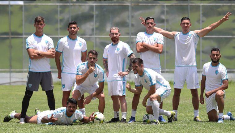Jugadores de la Selección Nacional lucen felices en el Proyecto Goal, previo a enfrentar a Anguila. (Prensa Libre: Francisco Sánchez).