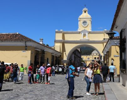 Empresas de turismo en Antigua Guatemala esperan que en octubre comience a despegar el turismo, a pesar del estado de Sitio que durará 30 días. (Foto Prensa Libre: Julio Sicán)