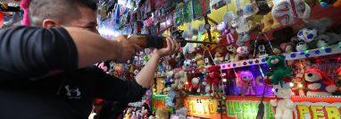 La feria de Xela ofrece a los visitantes un sin número de opciones para entretenerse. (Foto Prensa LIbre: Mynor Toc)