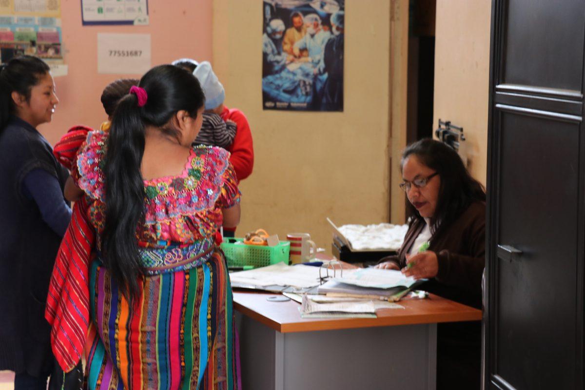 Centros de Salud de Quiché sin medicamentos para niños y adultos