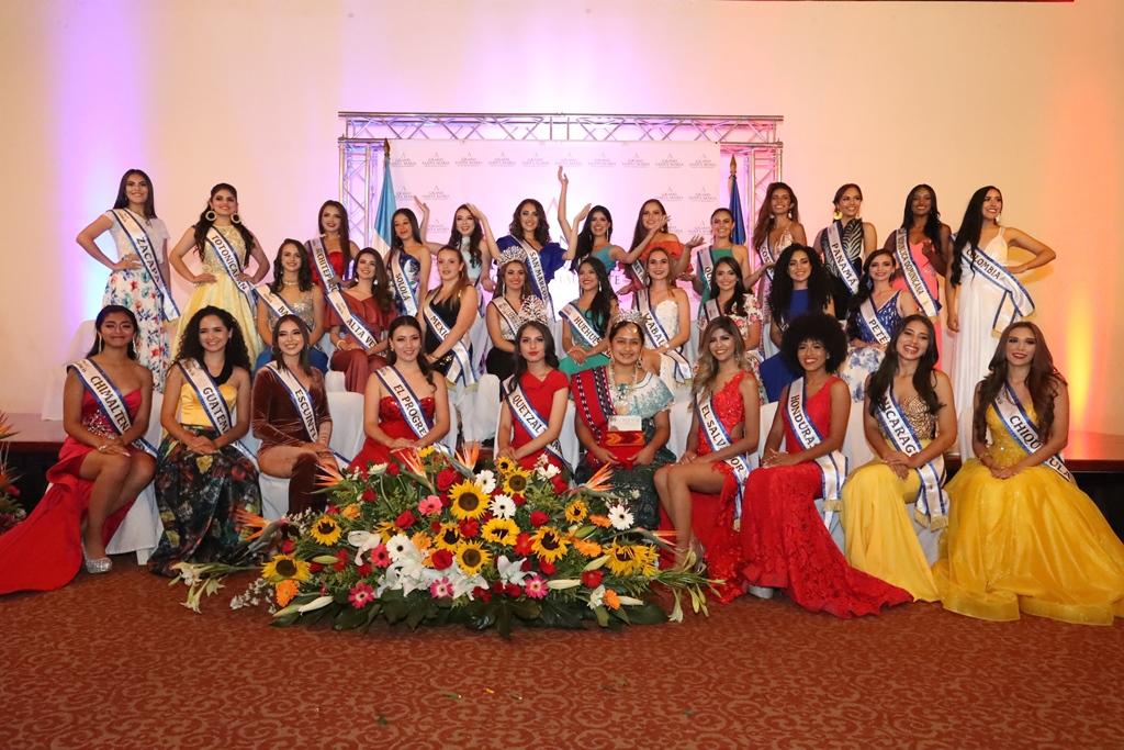 30 bellas mujeres engalanan la feria de Xelajú