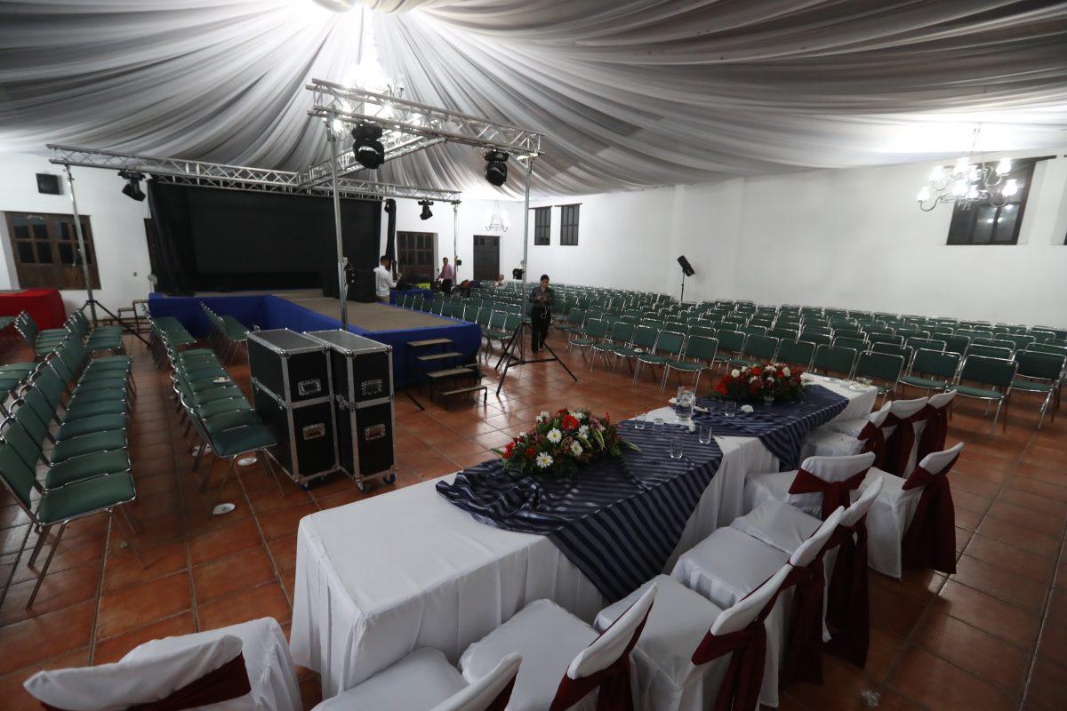 Cancelan la elección de Reina Internacional por pugnas entre organizadores y dejan plantadas a 700 personas
