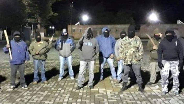 Surge en Parramos, Chimaltenango, supuesto grupo de vecinos contra la delincuencia. (Foto Prensa Libre: Cortesía)