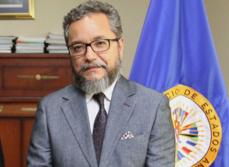 Guatemalteco Ronalth Ochaeta es nombrado vocero interino de la Cicies en El Salvador