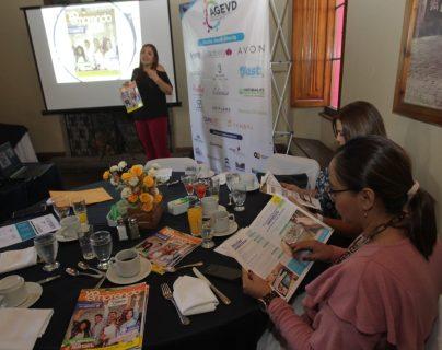 La tercera edición tiene un tiraje impreso de 5 mil ejemplares y un alcance de 40 mil personas en formato digital. (Foto Prensa Libre: Norvin Mendoza)