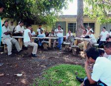 Salubristas lograron negociar con autoridades el traslado de cinco mil trabajadores a plazas permanentes. (Foto HemerotecaPL)