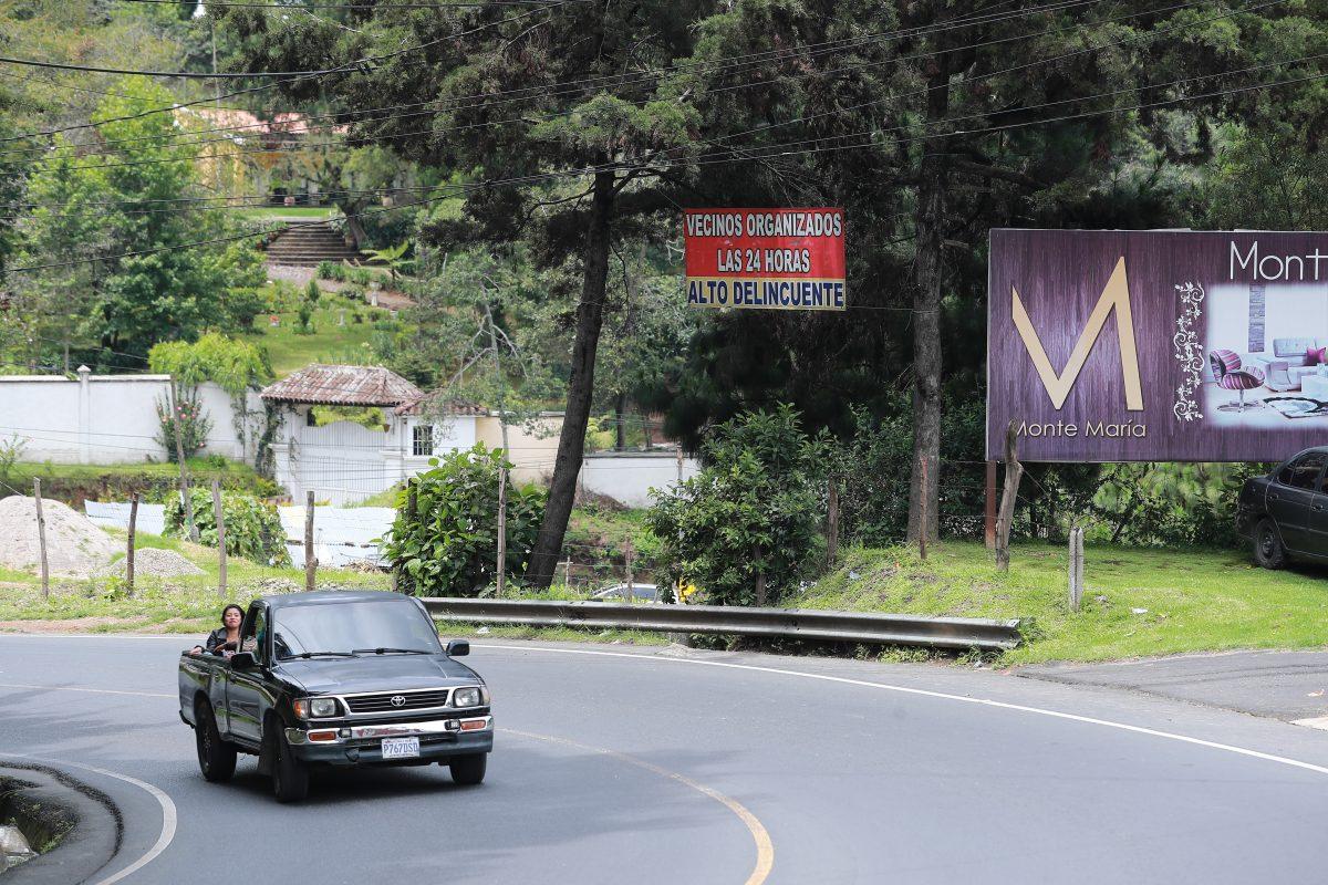 Patrulleros mantienen control en San Juan y agreden a técnicos que analizaban obra