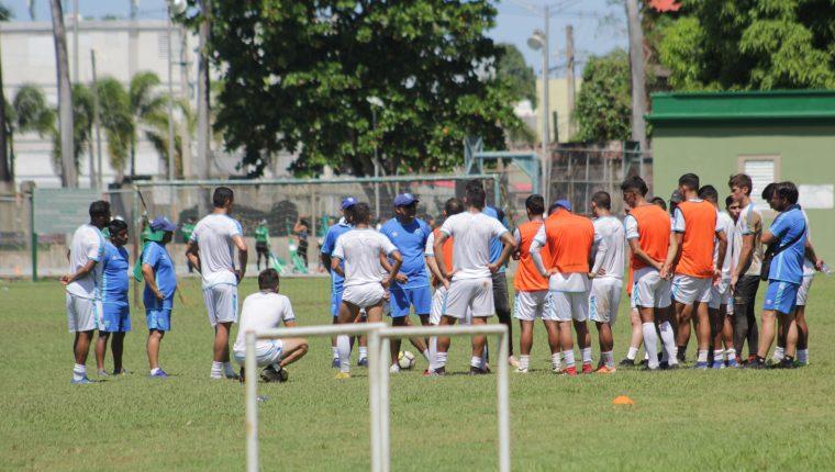 La Selección Nacional trabaja para el duelo frente a Puerto Rico, del próximo martes. (Foto Prensa Libre: Cortesía ACD)