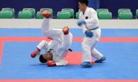 GRAF8912. TOKIO, 09/09/2019.- Los karatecas H. Tachibana (con cinturón rojo) y K. Watanabe (con cinturón azul) disputan un combate kumito de kárate durante un evento de prueba para los Juegos Olímpicos de Tokio 2020 celebrado en el estadio Nippon Budokan de la capital japonesa. La organización de Tokio 2020 puso a prueba este lunes, 9 de septiembre de 2019, el estreno del kárate como disciplina olímpica en un evento de demostración que tuvo como objetivo comprobar el correcto funcionamiento de la logística y el desarrollo de la competición. EFE/María Roldán