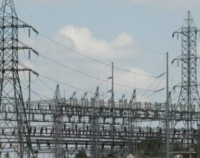 La CNEE es el ente regulador del sistema eléctrico en Guatemala, se integra por tres directores, en caso de vacante se llama a uno de los suplentes. (Foto, Prensa Libre: Hemeroteca PL).