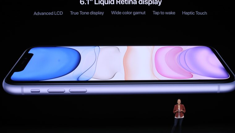 Kaiann Drance de Apple habla sobre el nuevo iPhone 11. (Foto Prensa Libre: AFP).