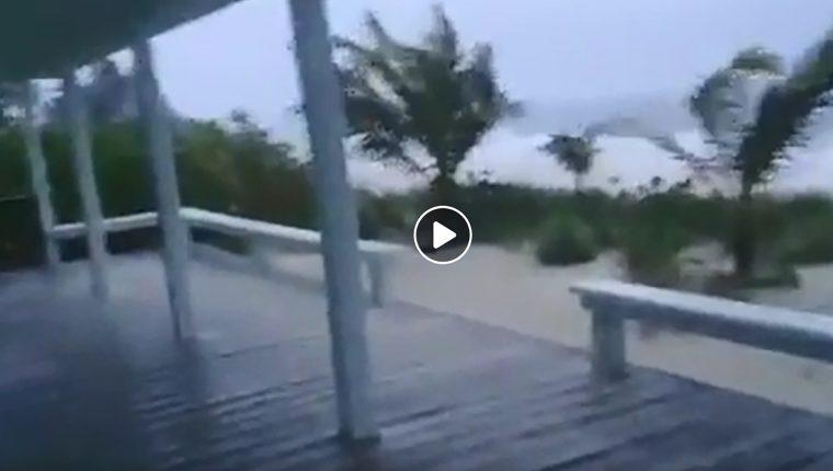 Captura de video de el cayo Man-O-War, Bahamas, donde empiezan a sentirse los efectos de Dorian. (Foto Prensa Libre: AFP)